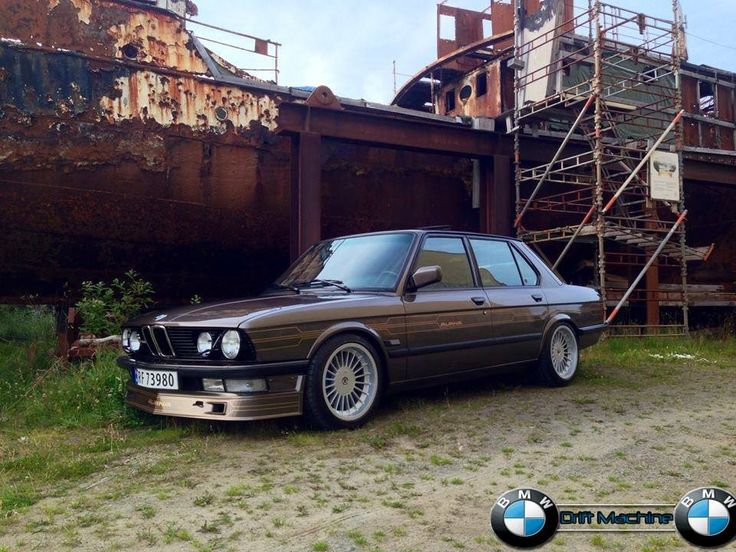 E28 Alpina B7 in Bahamabeige with 17 inch wheels