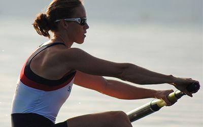 Helen Glover rowing