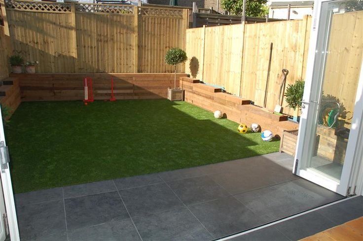 Super-simple, tidy garden, with astroturf.