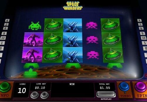 Игровой автомат Space Invaders с выводом денег. Space Invaders – игровой автомат на деньги от компании Playtech. Вы сможете вывести из этого аппарата реальные выигрыши, а заодно сразиться с опасными инопланетными захватчиками.   Выгодная игра с выводом Игровой автомат имеет 5 �