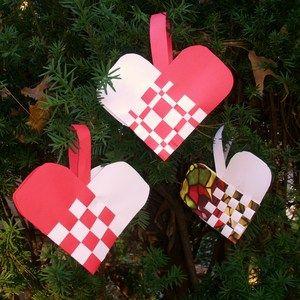 Make Your Own Woven Swedish Christmas Heart Basket Ornaments