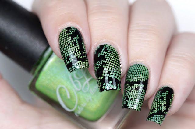 Mdollas nails: Snake skin nail art