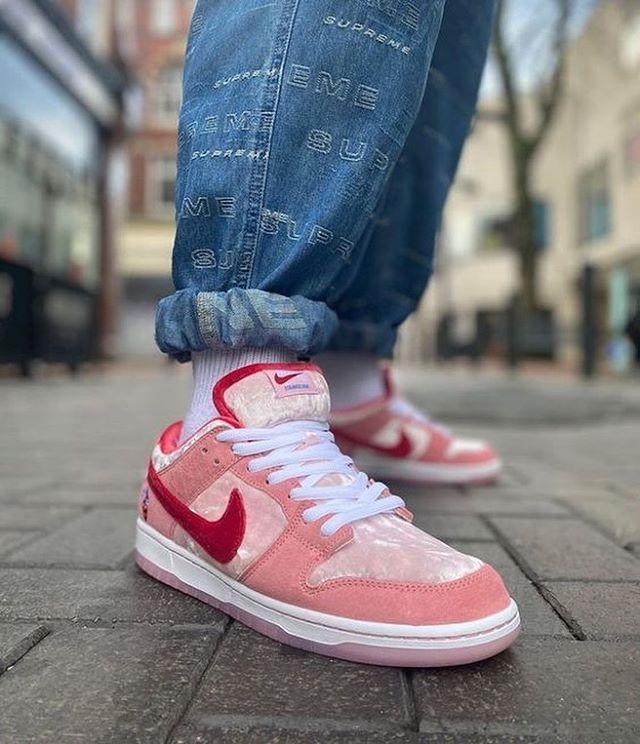 Épinglé sur Nike Fashion Styles Shoes Sneakers