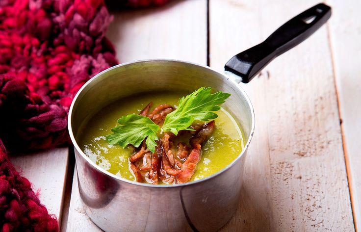 Σούπα κρέμα αρακά με τσορίθο και λεμονόχορτο