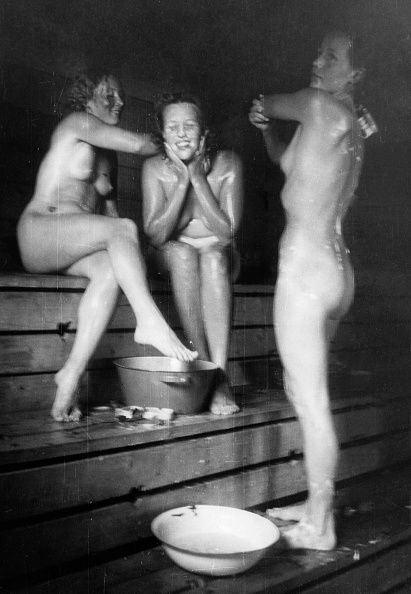 Nude vanha musta mummo-2126
