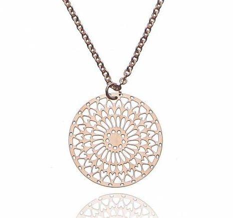 Valentinstag 2018: Wie wärs, wenn ihr eure Liebsten mit dieser entzückenden Kette in Rosegold überrascht? Dieses kleine, aufmerksame Geschenk wird jedem an Valentinstag eine Freude bereiten. Schmuck ist eh immer eine gute Wahl! Warum stöbert ihr euch nicht durch unseren Online Shop und findet preiswerte Schmuckstücke, über die sich jede Frau freut! #valentinesday #valentinstag #herz #heart #kette #Ohrringe #necklace #gift #schmuck #valentinesdaygift #valentinesdaygiftideas