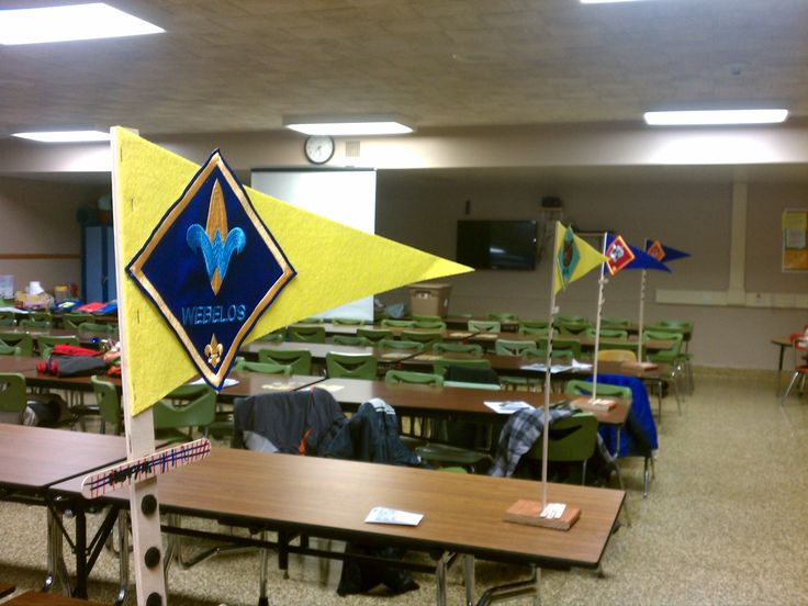 Den flags for Cub Scout meeting-like the pedestals to keep scouts with their dens