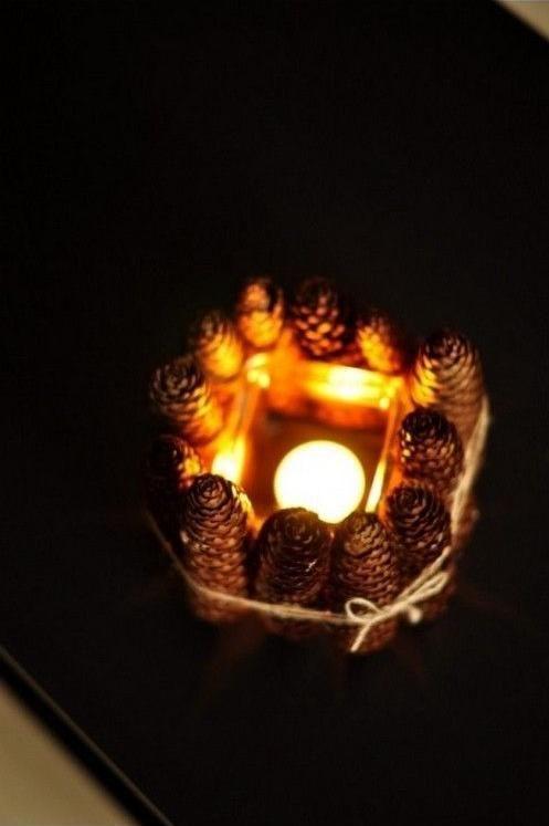 Oryginalny świecznik wykonany z szyszek. Pokażemy Ci jak go zrobić krok po kroku