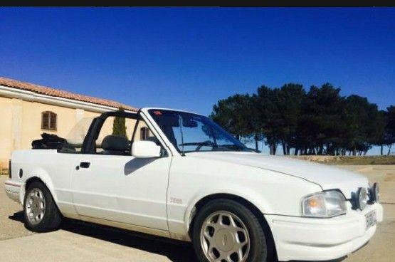Ford escort blanco cabrio