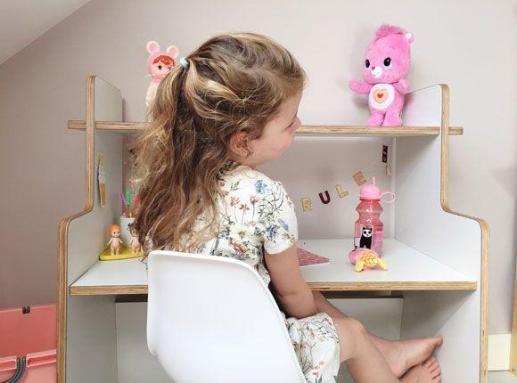 lemodi-kinderkamer-kleuter-bureau-tafel-spelen-speelhoek-kleuter-school-tekenen-knutselen-speelhoek-cadeau-verjaardag-meubel-kinderkamermeubel-ladylemonade_nl21