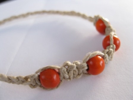 Beginners 20 minute macramé hemp bracelet with braiding - knotonlyknots