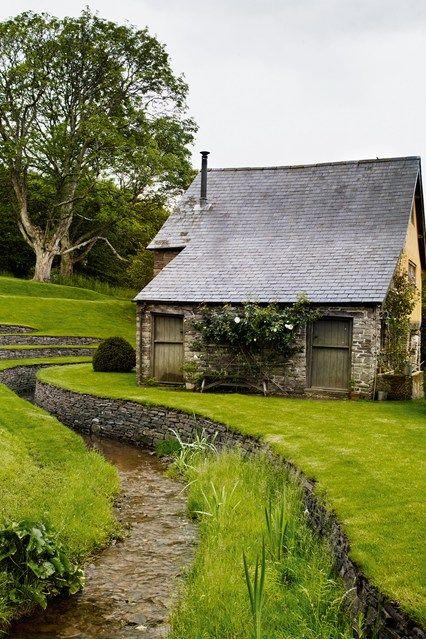 Ohhhh My God! dhc. Discover Arne Maynard's romantic garden, where the eminent gardener grows herbs, vegetables and colourful flowers House & Garden