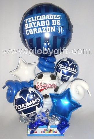 Para los fanáticos del futbol y Rayados de Monterrey, un arreglo con globos