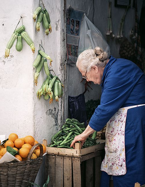 Amalfi Market, by Nick Zungoli ~ she dresses just how my Nonna would have dressed only always in black.