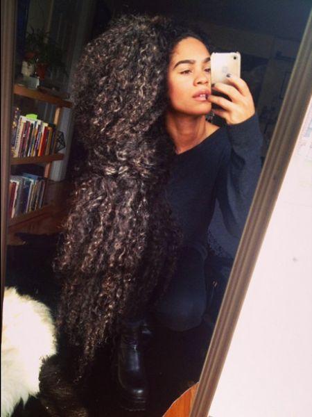 natural hair black hair, long hair growth secrets.  teamblackhurromg http://www.shorthaircutsforblackwomen.com/how-to-make-your-hair-grow-faster-longer/