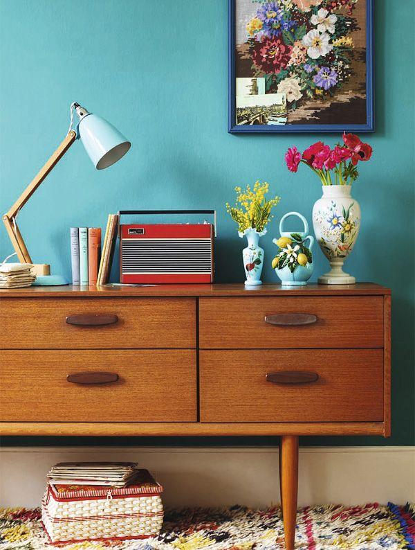 Color Crush: Aqua + Updated Shelf Styling