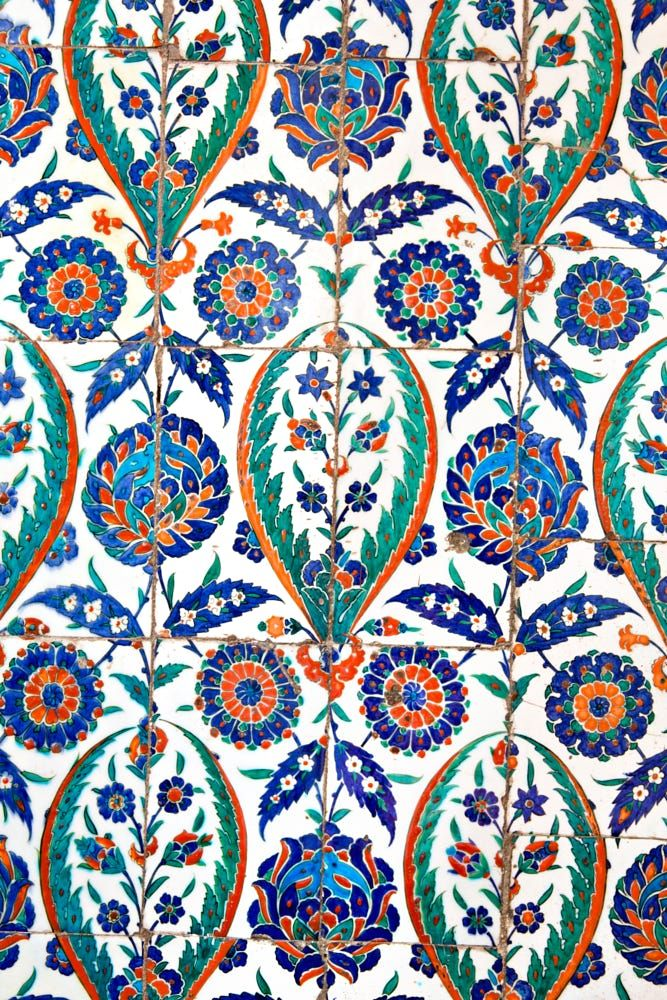 Wall tiles in Sultanahmet Mosque by Ihsan Gercelman on 500px