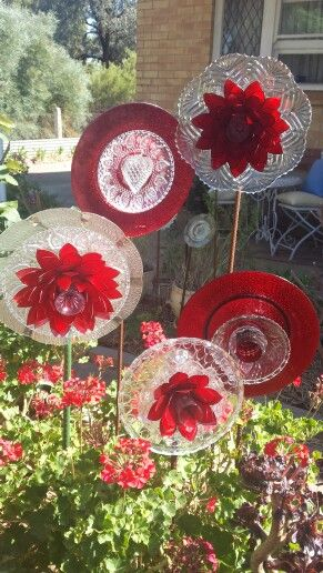 Red upcycled glass flowers made by Tracy Feltus of Kapunda, SA