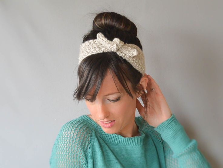 For a while now, I've wanted to knit a vintage looking, tie up headband. After walking around downtown a couple of weeks ago on a warm spring day, I spotted a headband like this, only it was …