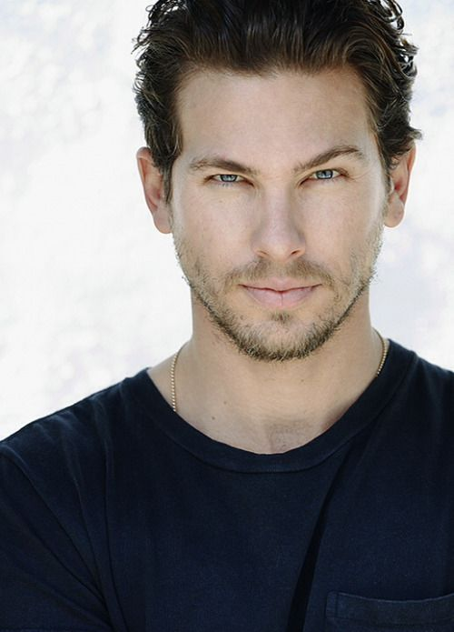 Jamie (Adam Senn), Kelsey's oldest brother and Gray's best friend. (Ripper, Lexi Blake, Hunter #1)