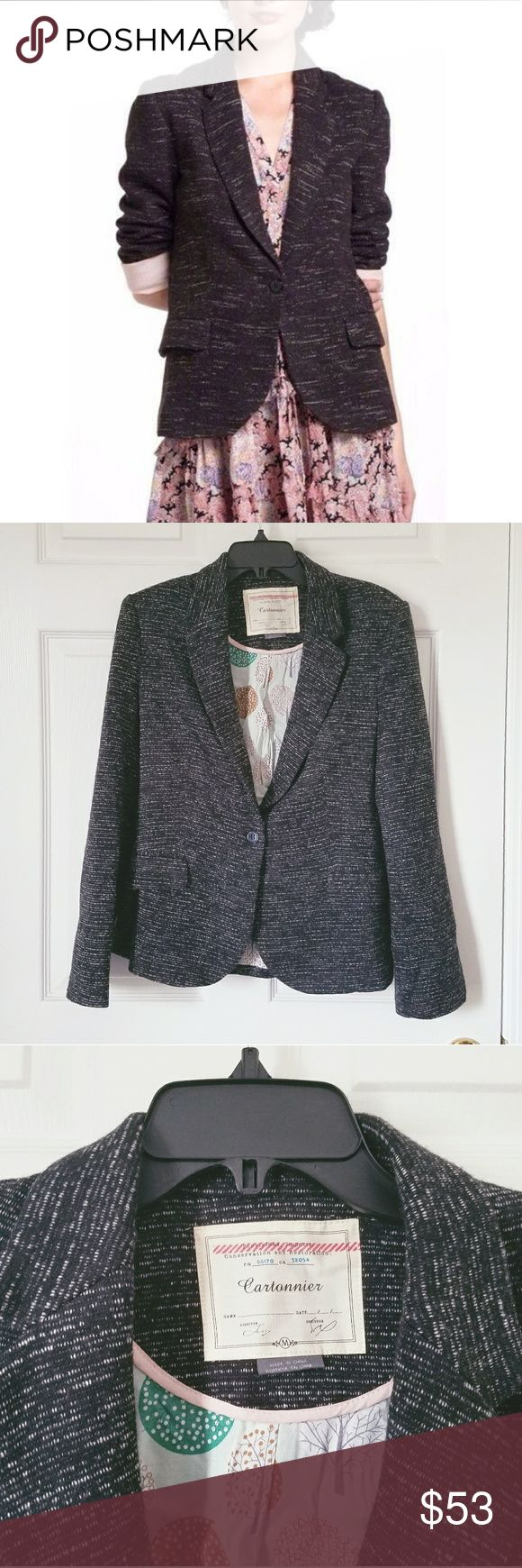 CARTONNIER Dashes Knit Blazer in Gray M RN# 66170 CA# 32054  Dashes blazer in the web exclusive gray.  White Noise look with mint pastel nature lining in the core and pale pink lining in the sleeves.  No flaws.  Cartonnier is stocked by Antropologie.   Size M.  +Open to offers  +300+ item closet to shop  +No Trades  +Price drops weekly Anthropologie Jackets & Coats Blazers