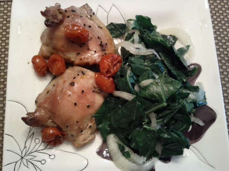 Roasted Chicken with Collards. I love this recipe because it's fast, easy, and includes minimal ingredients. Did I mention...it's also DELICIOUS! #monthofdinners: Food Recipes, Minimal Ingredients, Recipe I M, Food Fantasy, Roasted Chicken, Collard Monthofdinn, Recipese Chicken, Include Minimal, Food Maine Dishes