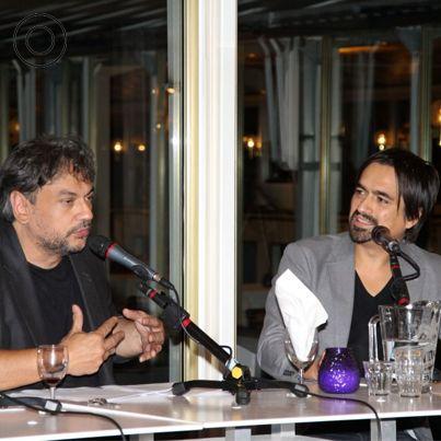 Discussiëren over kunst en cultuur tijdens Club Ram Horna.