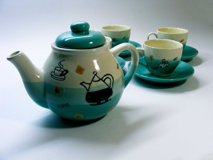 Juego de té hecho a mano.