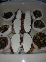 Adriana  Hobby: Rulouri din piept de pui cu mozzarella şi ciuperci...