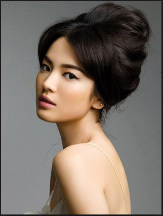 Face is the most prominent part of your identity and has long been felt to be the personification of a person's soul and nose is in the central and the most visible part of the face, cannot be hidden with glasses, hairstyle or makeup, like other facial features. So, whoever wants to improve their nose shape should learn about rhinoplasty before and after procedure.