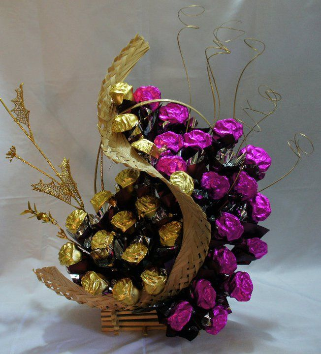 How To Make Chocolate Flower Basket : Designer chocolate bouquets from moderncakespune
