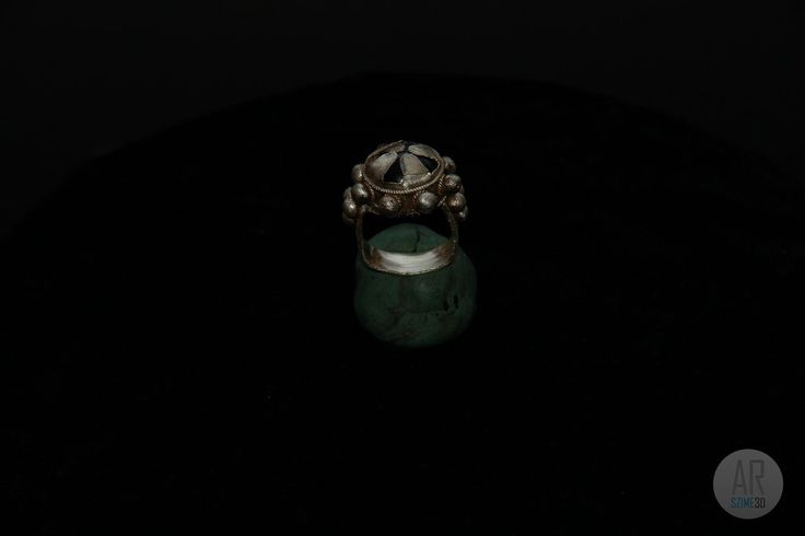 Conquest era grave of Tarpa - silver ring - Szime 3D AR