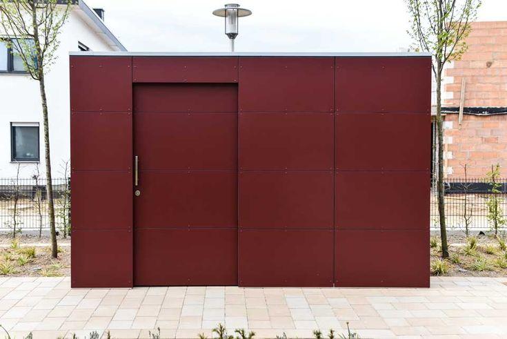 design gartenhaus @_gart drei - vine red, Wohnanlage /Seniorenwohnanlage in Hildesheim, mit Gründach #Gartenhaus #shed #Gerätehaus #Flachdach # HPL