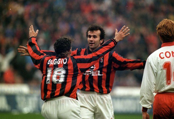 Roberto Baggio (left, AC Milan) et Dejan Savicevic (centre, AC Milan, 1992–1998, 97 apps, 20 goals)