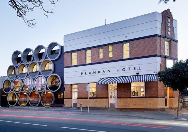 Techne Architect a conduit le projet de rénovation du pub «Prahan Hotel