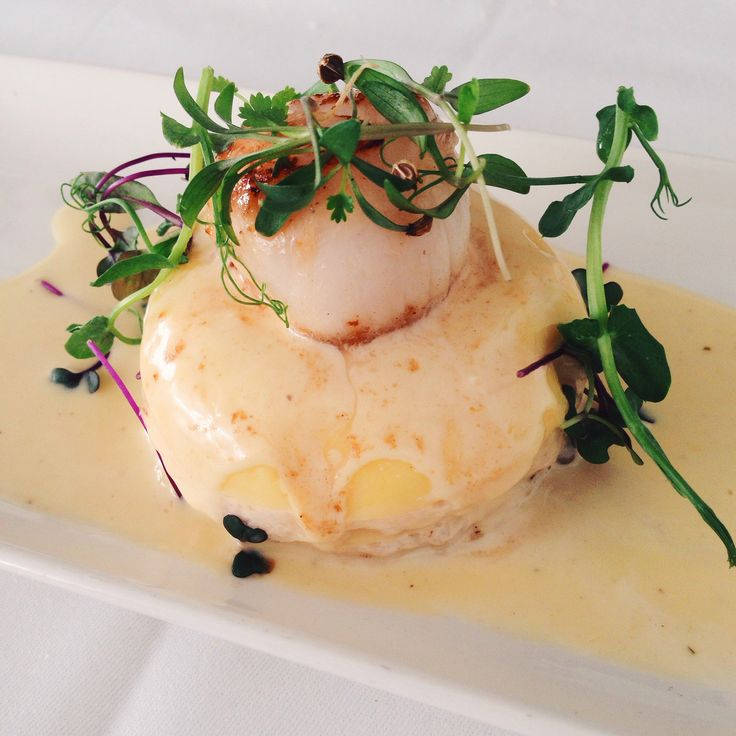 Lasagne of Lyme bay crab and scallop with white wine beurre blanc
