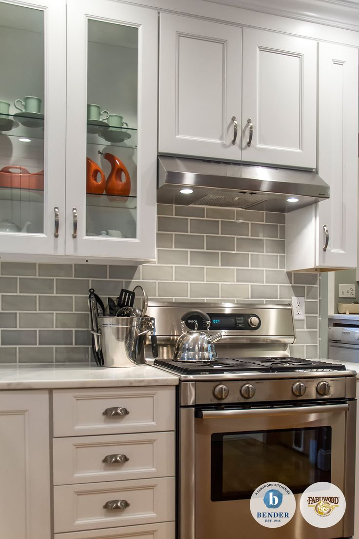 French Country Backsplash This Beautiful Fabuwood Nexus Frost #kitchen Was Built By