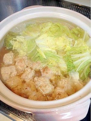 「【糖質制限】節約★材料2つで鶏団子の簡単お鍋♪」とりひき肉と白菜で簡単♪節約♪美味しいお鍋が完成♪【楽天レシピ】