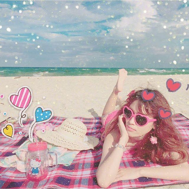 【maichi.fxx】さんのInstagramをピンしています。 《#2016#振り返りpic ☃ 7月下田まで行って海水浴⛱ 片道5時間を日帰りで笑 波も強くて浅瀬で水遊びしたぐらい✨ でも⛺も張ってちょお楽しかった♡ #夏が1番好き #髪がプリン(笑) #思い出#夏#summer#海#静岡#sea#おでかけ#海水浴#振り返り#instagram#instapic#happy#holiday#休日#下田#swimwear#水着#rady#お気に入り##写真#photo#伊豆#日帰り#goodmorning》