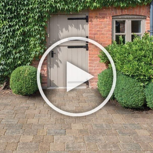 Bradstone Woburn Rumbled Infilta Permeable Block Paving In Rustic Simply Paving Due To Its Individual Look And Col In 2020 Block Paving Brick Paving Modern Garden