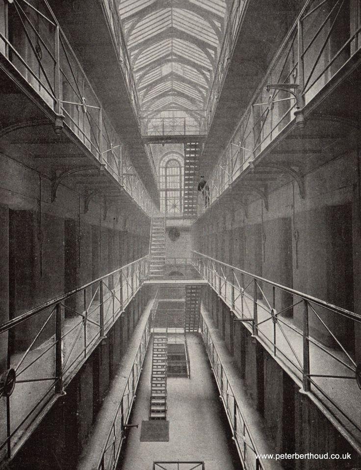 Inside Newgate Prison (London) - 1897