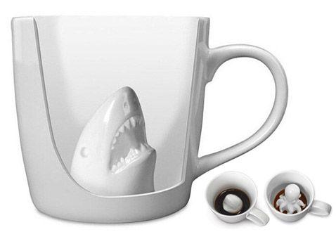 Taza tiburon o pulpo atacando