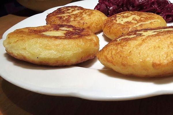 Kynuté placičky ze syrových brambor a dalších surovin usmažené vlívanečníku. Jde o starý recept ze severních Čech. Vošouhle se podávaly s kysaným zelím nebo na sladko potřené povidly.