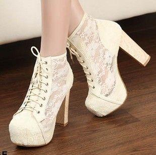 Frauen-runde Zehen-Plattform-Spitze-Blumen-starke Absatz-Spitze Ups-Stiefeletten-Schuhe