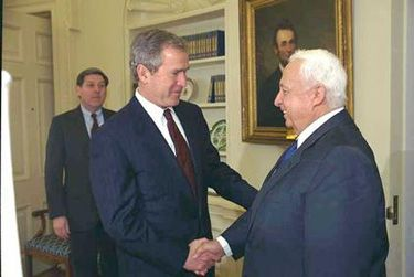 Yhdysvaltain presidentti George W. Bush ja Israelin PM Ariel Sharon | Community Post: 65 Years Of US-Israel Solidarity: A Look Into The History Of The US-Israel Relationship