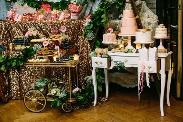 creative Toronto wedding with stylish backdrops - photo by A Brit and A Blonde http://ruffledblog.com/creative-toronto-wedding-with-stylish-backdrops