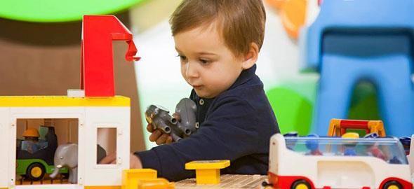 Ψάξαμε και βρήκαμε τους καλύτερους παιδότοπους της πόλης που διαθέτουν ξεχωριστό χώρο για παιδιά από ενός έτους, ώστε να απολαμβάνουν και εκείνα το παιχνίδι τους, μαζί με τα μεγαλύτερα αδερφάκια!