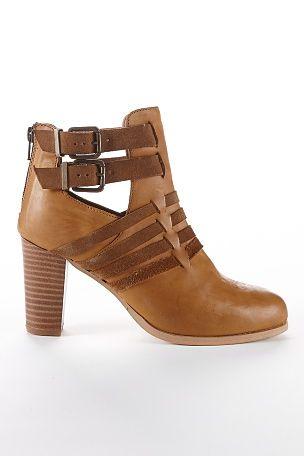Ellos Shoes