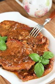 Mięso schabowe robię nie tylko tradycyjnie, w panierce, ale też często je duszę w sosie. To łatwy i zawsze pyszny obiad. Polecam również:...