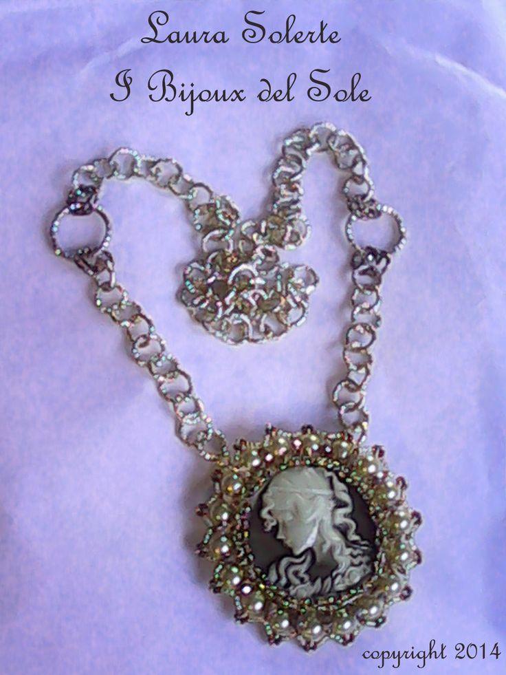 Ciondolo Gabriella. Gabriella pendant. Design, planning and carrying out by I Bijoux del Sole. Laura Solerte Copyright 2014. Venduto-Sold. Disponibile su ordinazione - Available on request
